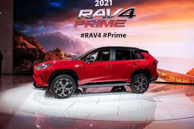 2021_Toyota_RAV4_plug-in_hybrid_1.jpg
